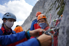 Prüfungsvorbereitungen der Bergwacht München an der Alpspitze